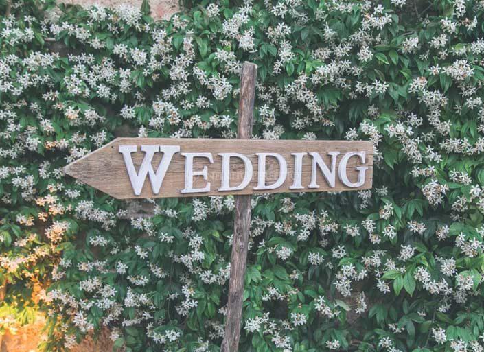 Matrimonio festoso tra gli ulivi del Salento